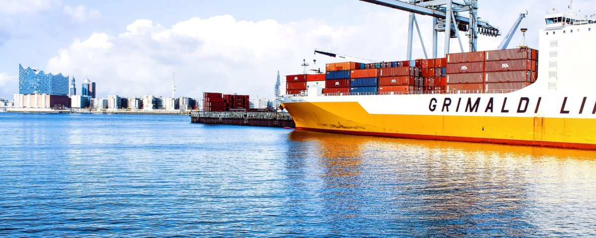 shipping-containers-1150062_1920